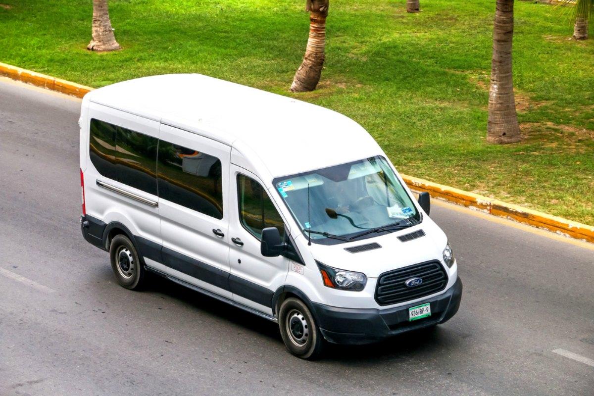 12-passenger van rentals