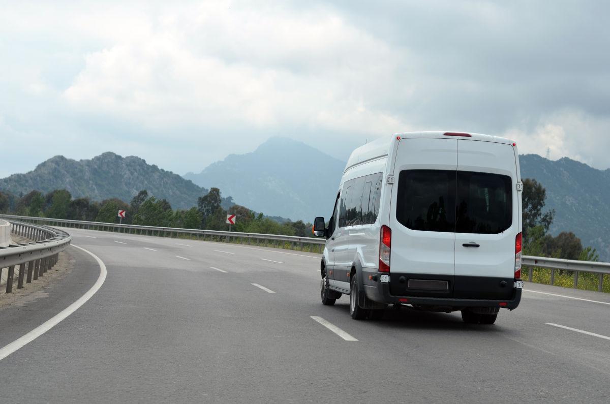 rent a passenger van